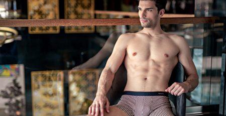 A férfi fehérneműket, a boxer rövidnadrágokat és a pólók széles választékát is az igazán aktív férfiak számára tervezték.